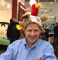 Gary Rabinovitz with his AMUG turkey-day hat, which drew lots of attention