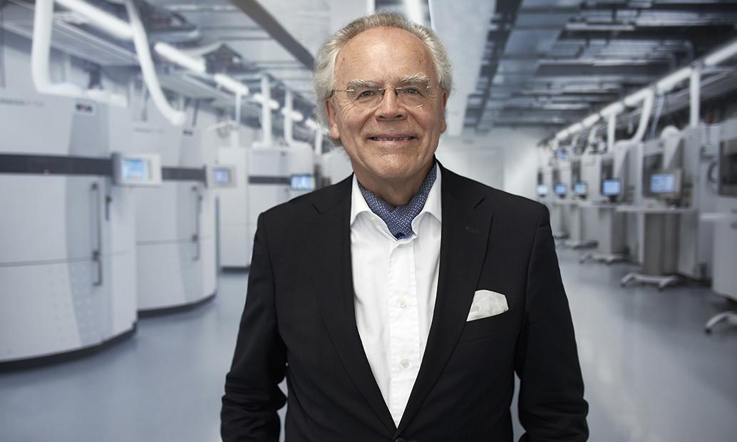 Dr. Hans J. Langer